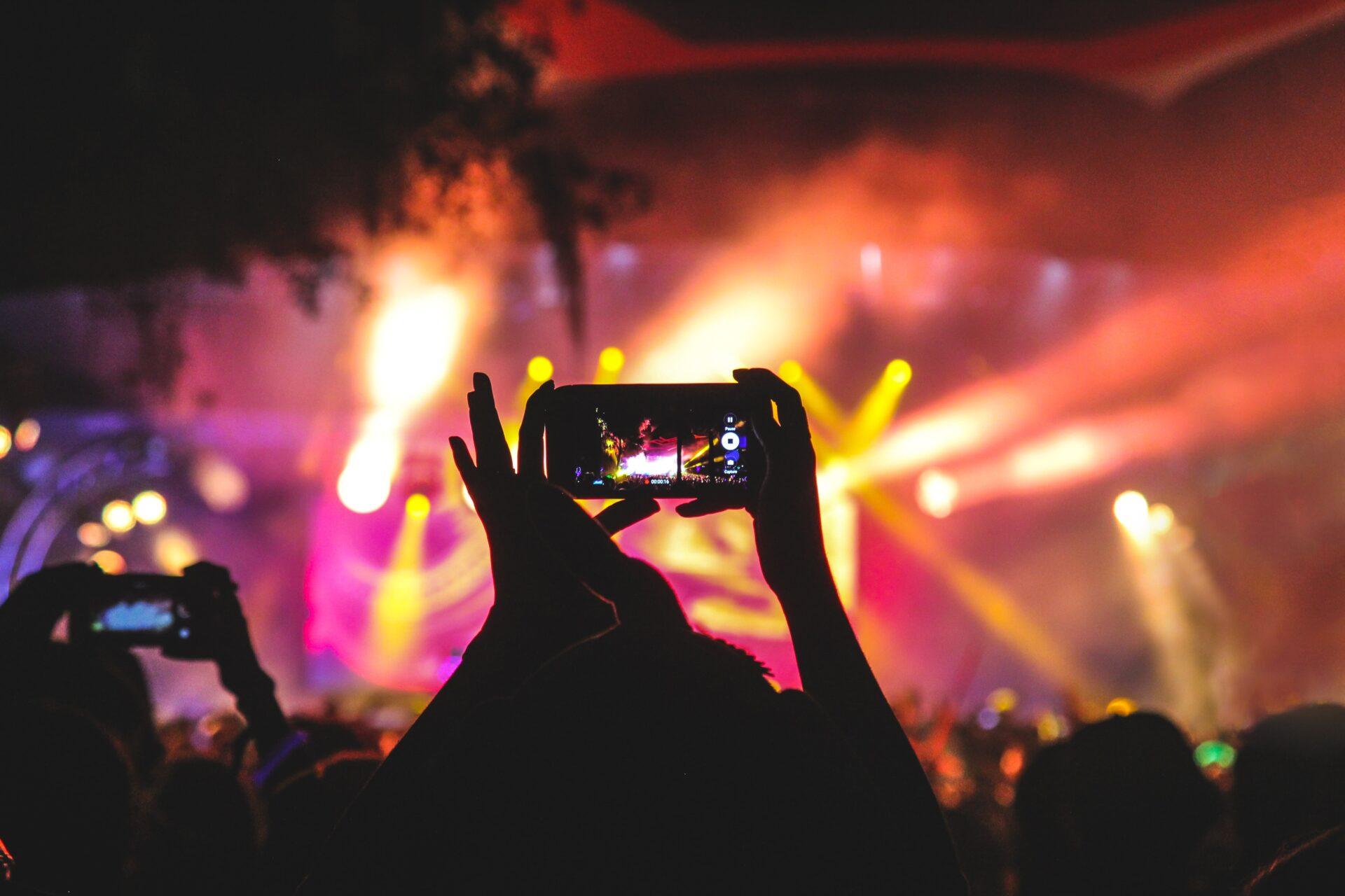 music-festival-phone-gig-lights